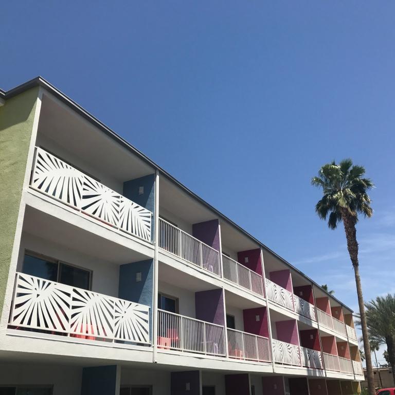 Saguaro Hotel External